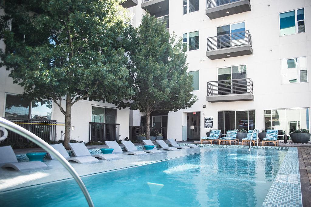 Aura on McKinney Apartments Dallas TX