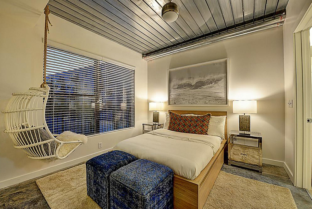 Bedroom at Listing #249897