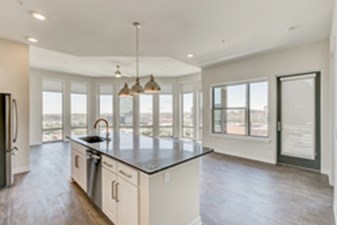 Living/Kitchen at Listing #282782
