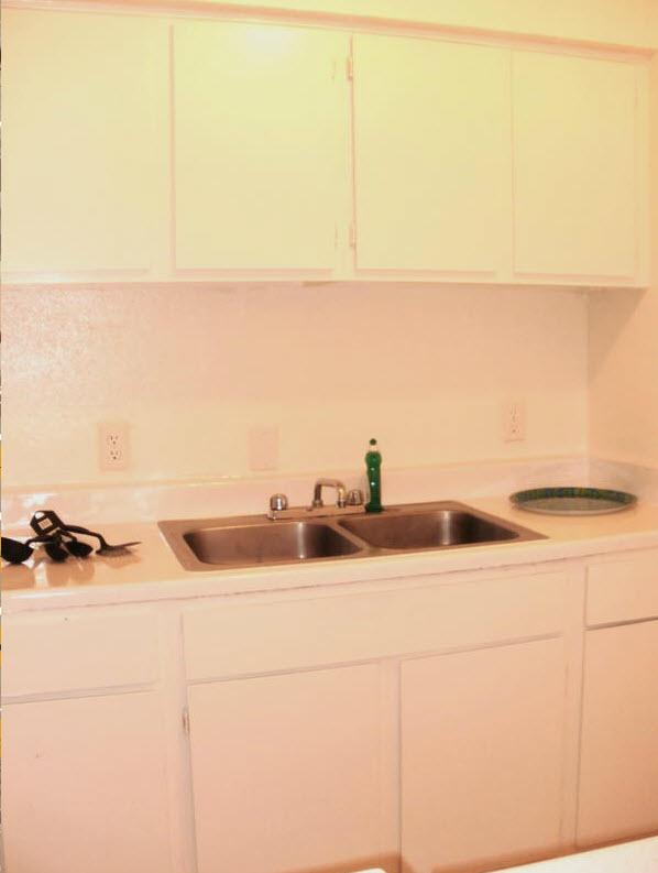 Kitchen at Listing #140044
