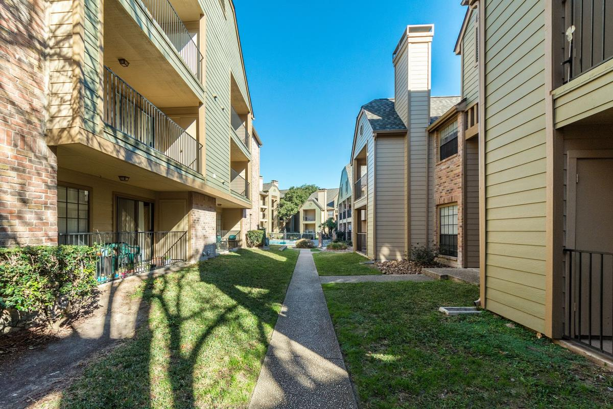 Bandera Crossing Apartments San Antonio TX