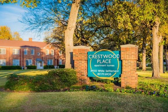 Crestwood Place Apartments