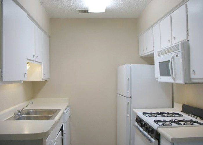 Kitchen at Listing #141256