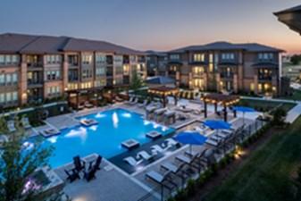 Pool at Listing #305283