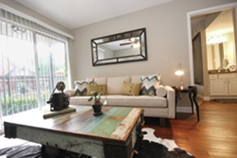 Living 2 at Listing #138900