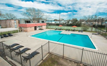 Pool at Listing #139376