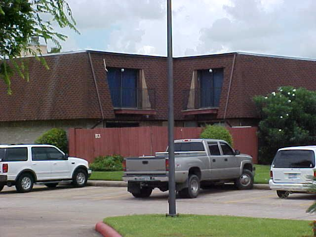 Oak Hollow Apartments Alvin TX