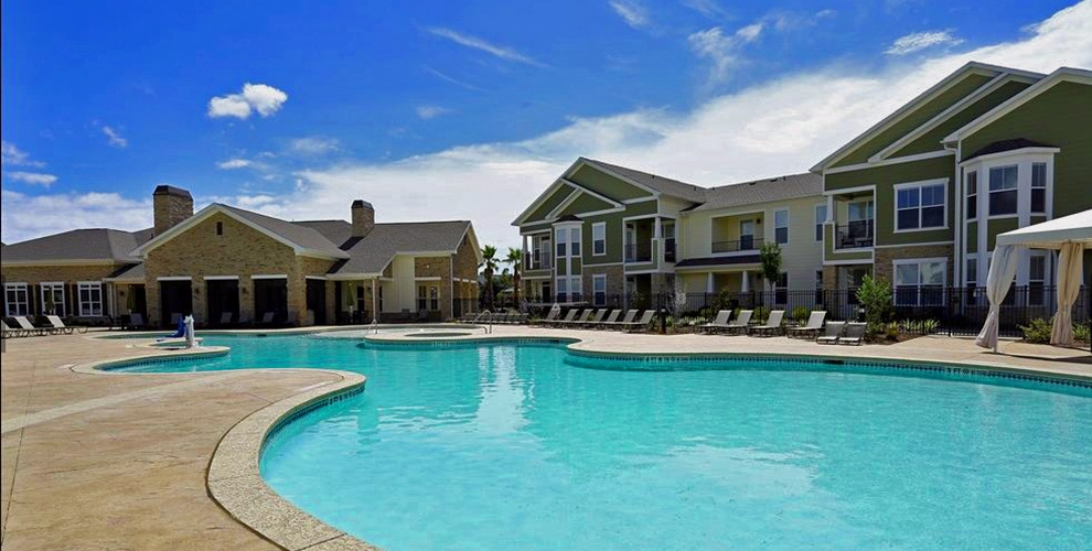 Pool at Listing #240963