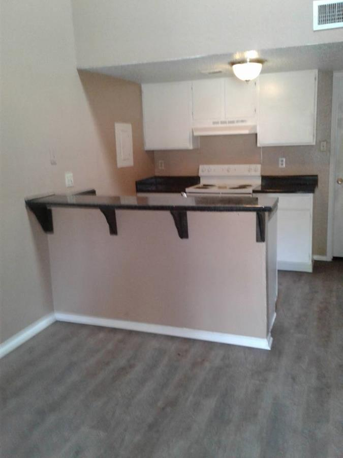 Dining/Kitchen at Listing #136850