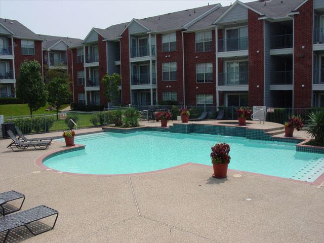 Fountains of Rosemeade Apartments