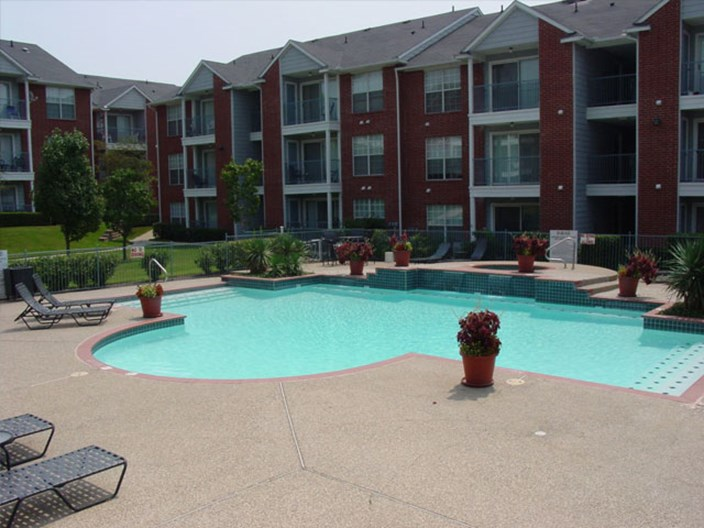 Fountains of Rosemeade Apartments