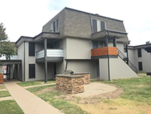 Exterior at Listing #136224