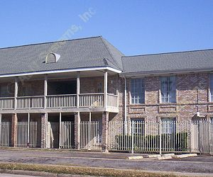 Pine Shadows Apartments 77080 TX