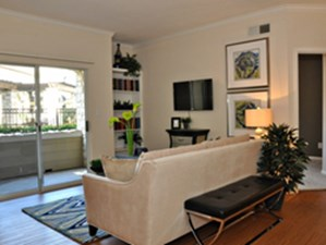 Living at Listing #139974