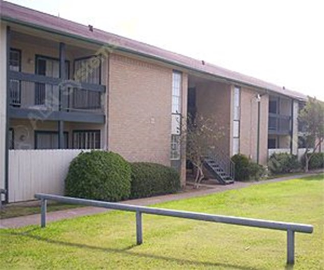 Kings Road Apartments