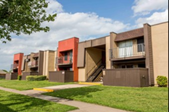Exterior at Listing #136419
