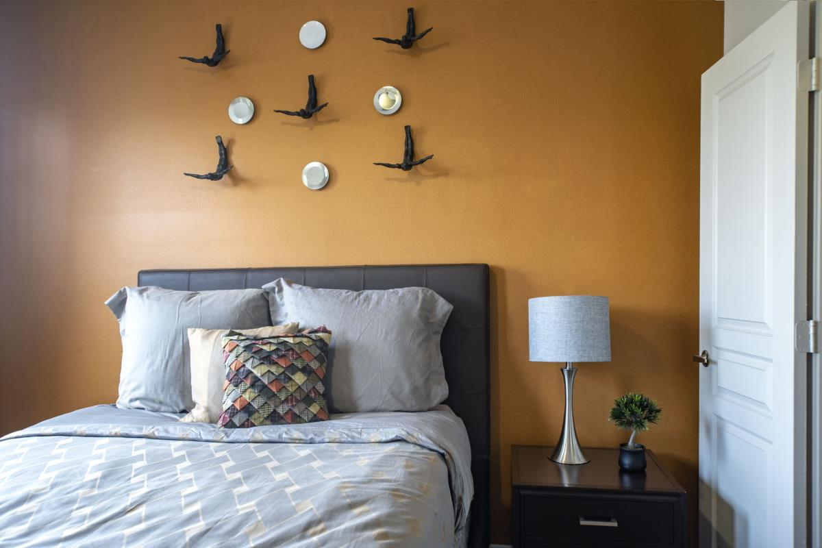 Bedroom at Listing #141428