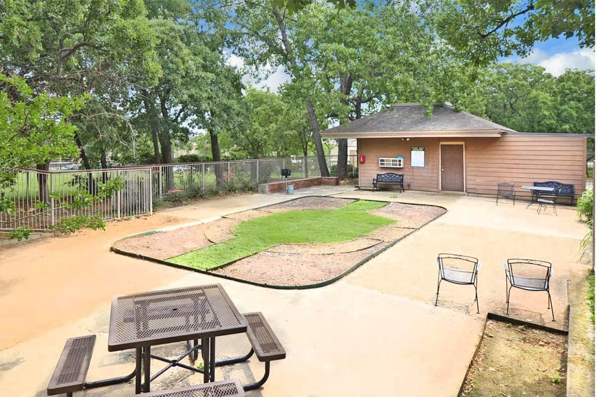 Sport Court at Listing #137551