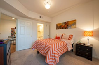 Bedroom at Listing #140010
