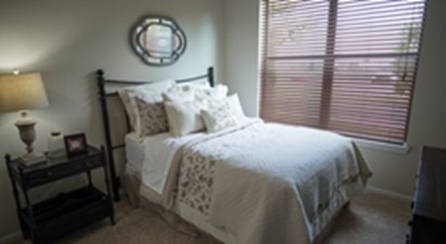 Bedroom at Listing #146629