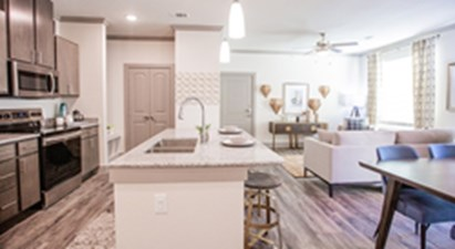 Living/Kitchen at Listing #301771
