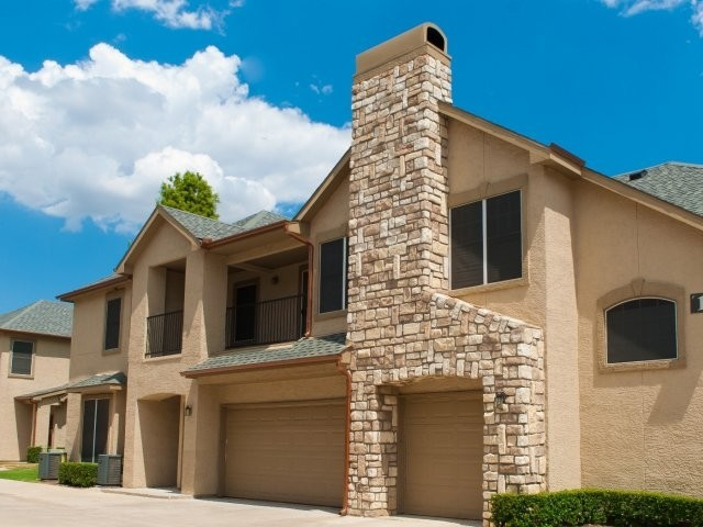 Exterior at Listing #137668