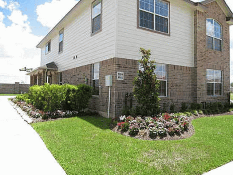 Exterior at Listing #147049