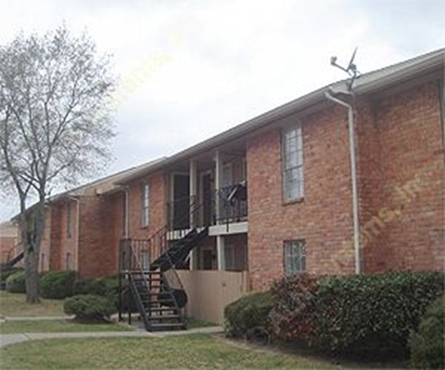 Falls of Braeswood Apartments