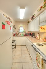 Kitchen at Listing #139243
