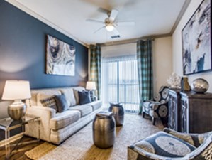 Living at Listing #147450