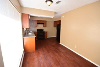 Dining/Kitchen at Listing #136668
