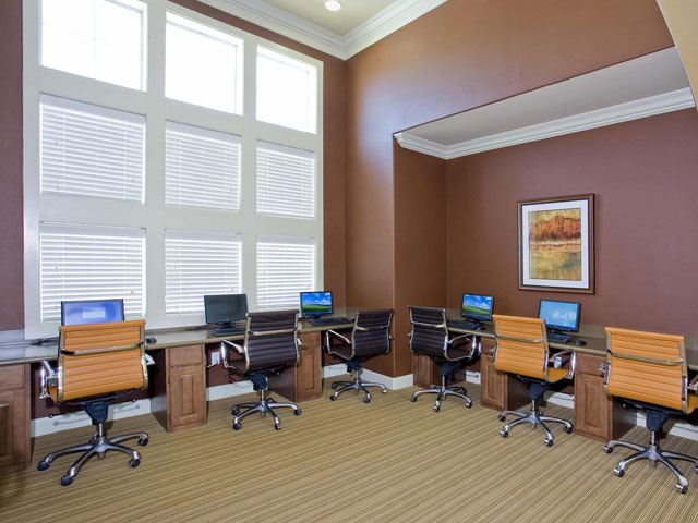 Business Center at Listing #145368