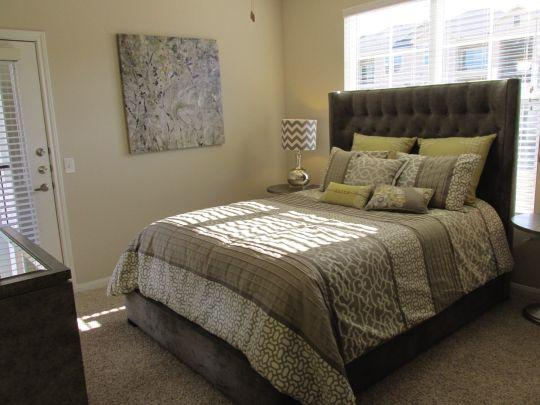 Bedroom at Listing #252761