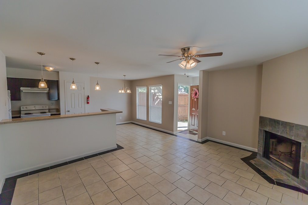 Living Area at Listing #254048