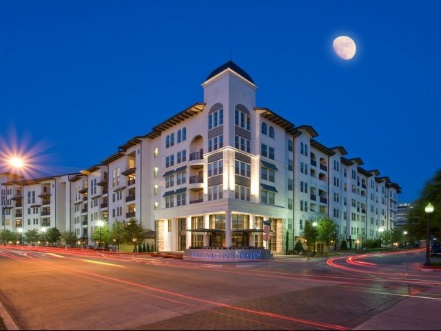 Monterey by Windsor Apartments Dallas TX