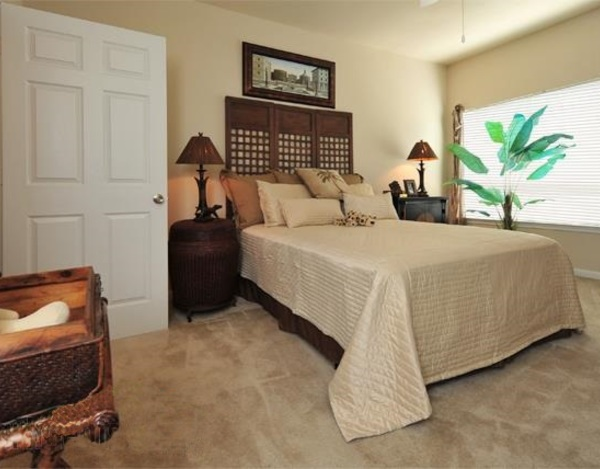 Bedroom at Listing #138053