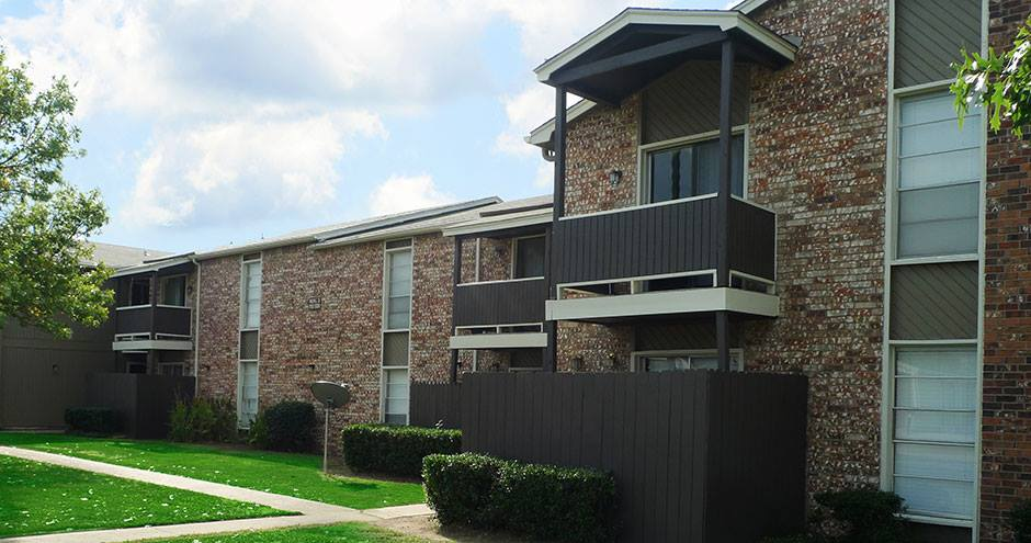 Exterior at Listing #228655