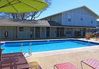 Pool at Listing #141223