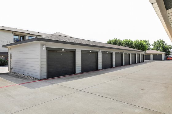 Garage at Listing #147704