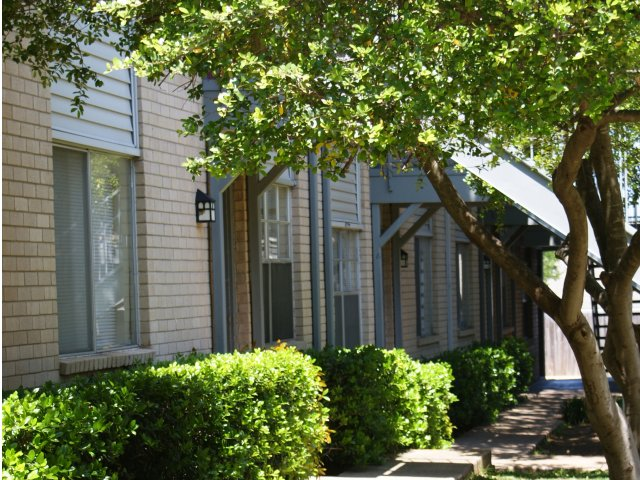 Exterior at Listing #137245