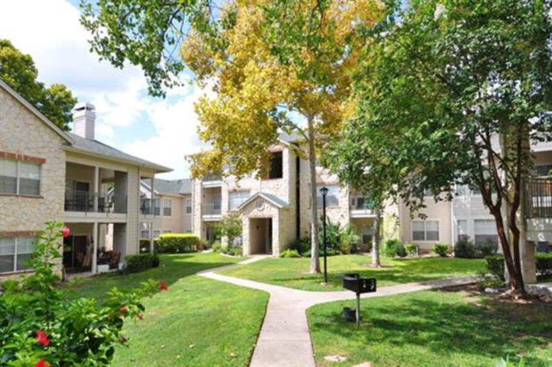Hawthorne Riverside Apartments