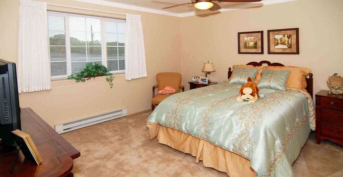 Bedroom at Listing #144607
