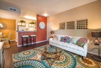 Living at Listing #144590