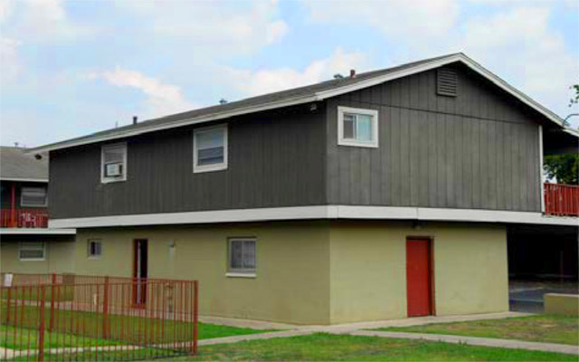 Exterior at Listing #141037