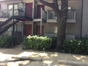 Exterior at Listing #136052