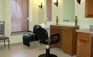 Salon at Listing #145732