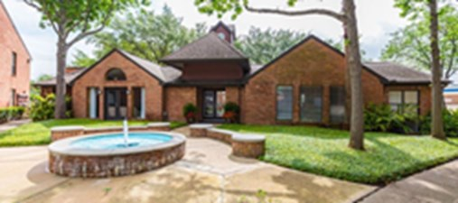 Exterior at Listing #138237