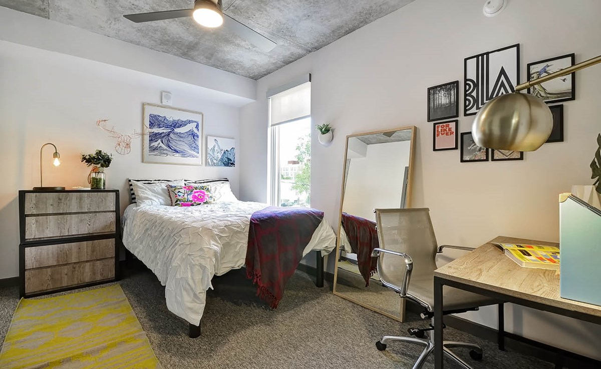 Bedroom at Listing #276465