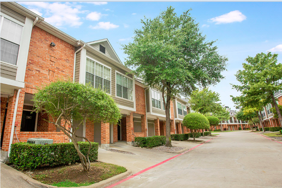 Retreat at Spring Park Apartments Garland, TX
