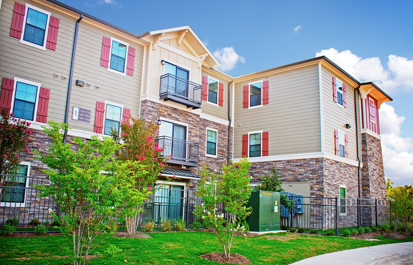 Aura Apartments
